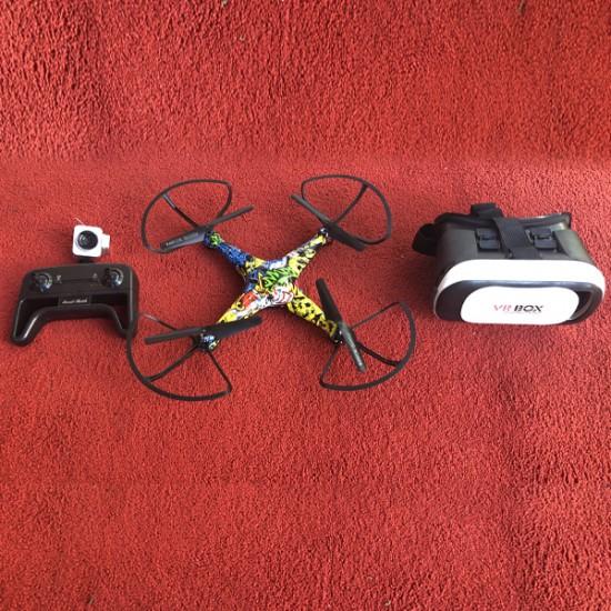 Stunt WIFI Drone/Quadcopter + FPV HD Camera + Virtual Reality Bril 189